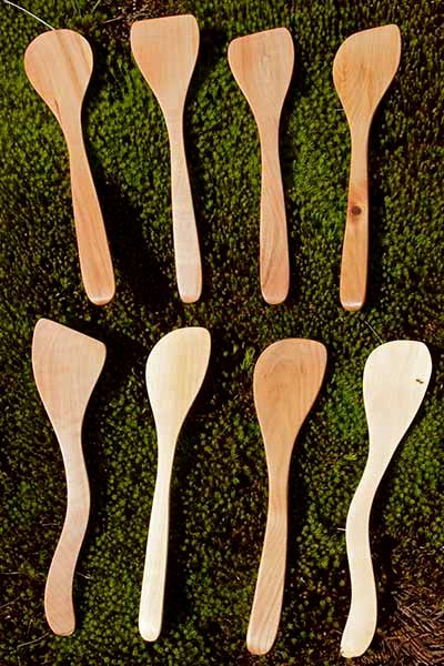 wooden-kitchen-utensils