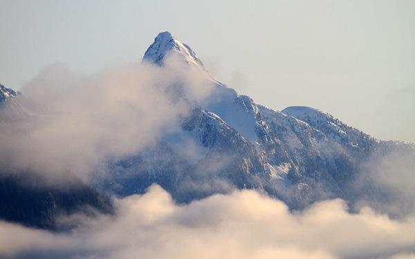 Mt_Denman_closeup_winter at end of desolation sound bc