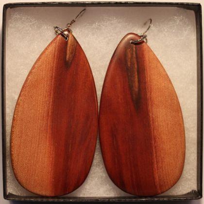 Handmade-wooden-earrings-2